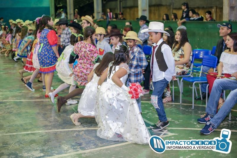 Veja aqui as fotos do Arraiá da Escola Estadual 13 de Maio em Deodápolis