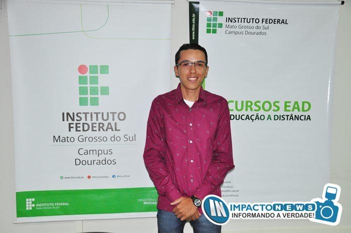 Entrega de Certificados do IFMS aos estudantes dos cursos de Vendedor e Operador de Computador