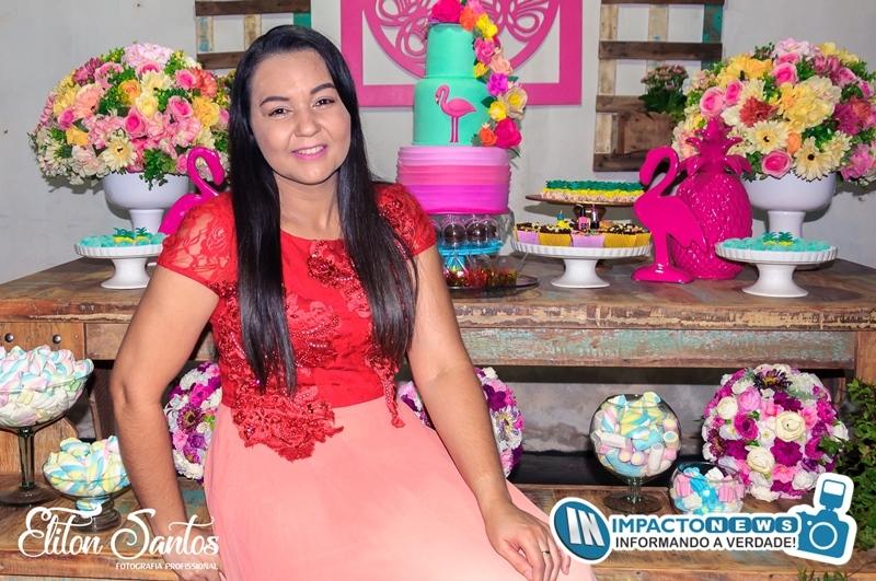 A Adriana completou mais um ano de vida. A festa contou com familiares e amigos. A decoração foi da Telma e Roberto Decorações; Veja ai!