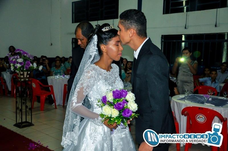 Lindo casamento da Beatriz e do Lucas em Deodápolis na AABB; vejam as fotos da fotógrafa Andrea Pires