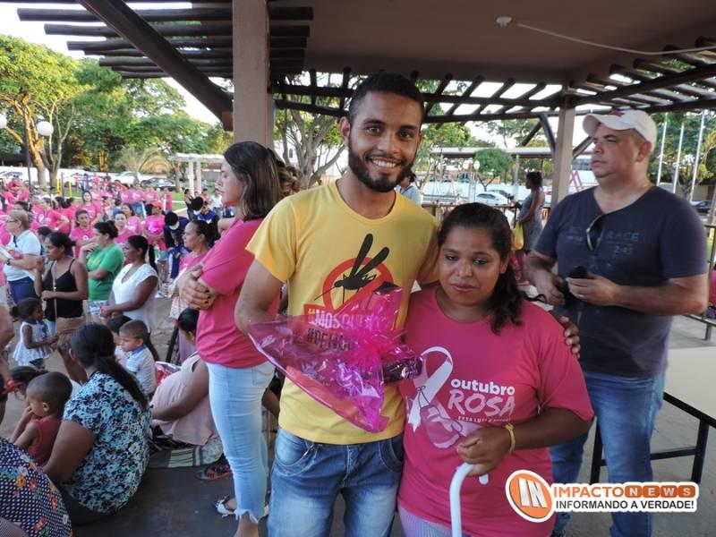 Caminhada e show de prêmios da campanha 'Outubro Rosa' realizada em Deodápolis