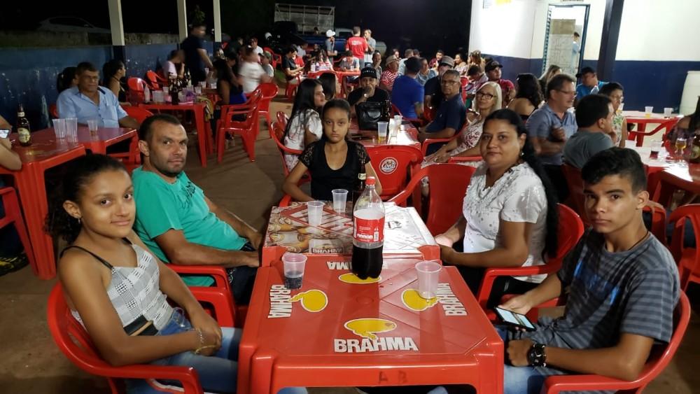 Festa de confraternização do Auto Peças do Titio com parceiros, colaboradores e familiares