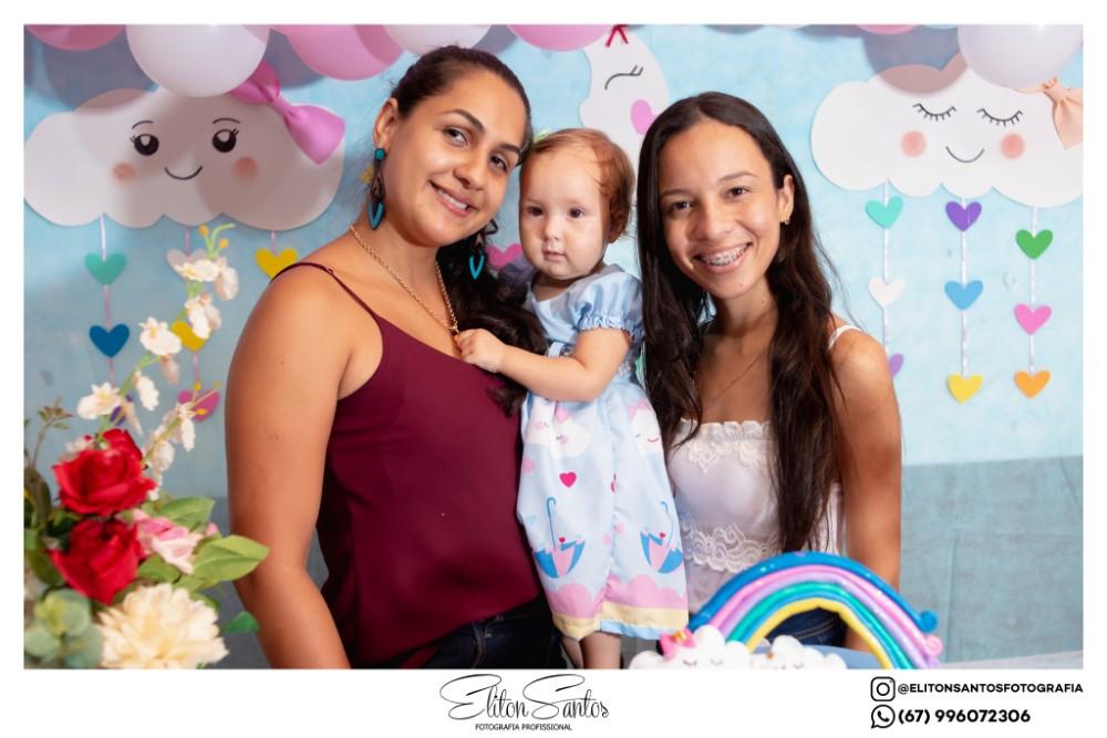 A Isabele completou 5 aninhos e a Laura 1 aninho em uma linda festa