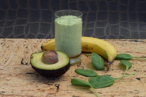 Vitamina de abacate pode te ajudar a perder peso e ganhar massa muscular; Veja mais com a Farma & Farma de Deodápolis