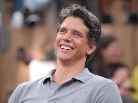 Marcio Garcia se confunde e fala nome de programa da Record na Globo