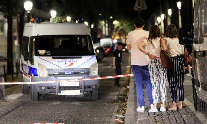 Ataque em Paris deixa sete pessoas feridas