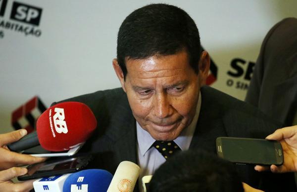 Vice de Bolsonaro afirmou que suas palavras foram distorcidas (Foto: Paulo Whitaker/Reuters)