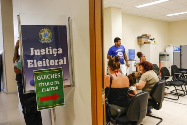 Eleitores de Campo Grande tiveram que fazer o cadastro biométrico. (Foto: Arquivo/Henrique Kawaminami)