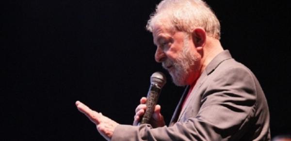 O ex-presidente Lula responde a processos da Operação Lava Jato