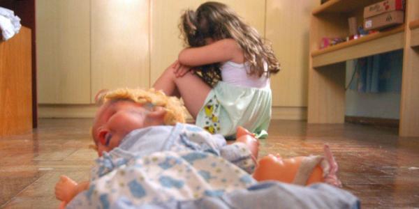 Denunciar casos de abusos e cuidar das crianças é dever moral do cidadão, diz psicólogo