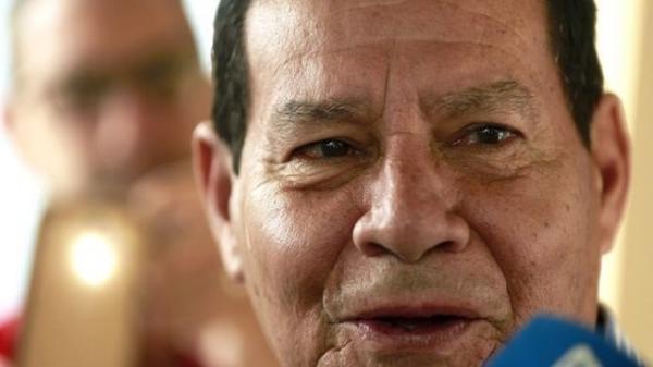 O vice-presidente eleito, general Hamilton Mourão — Foto: EPA