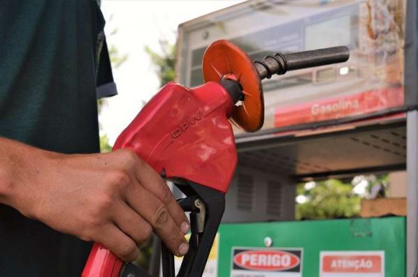 Gasolina tem queda de R$ 0,16 em Dourados, aponta ANP
