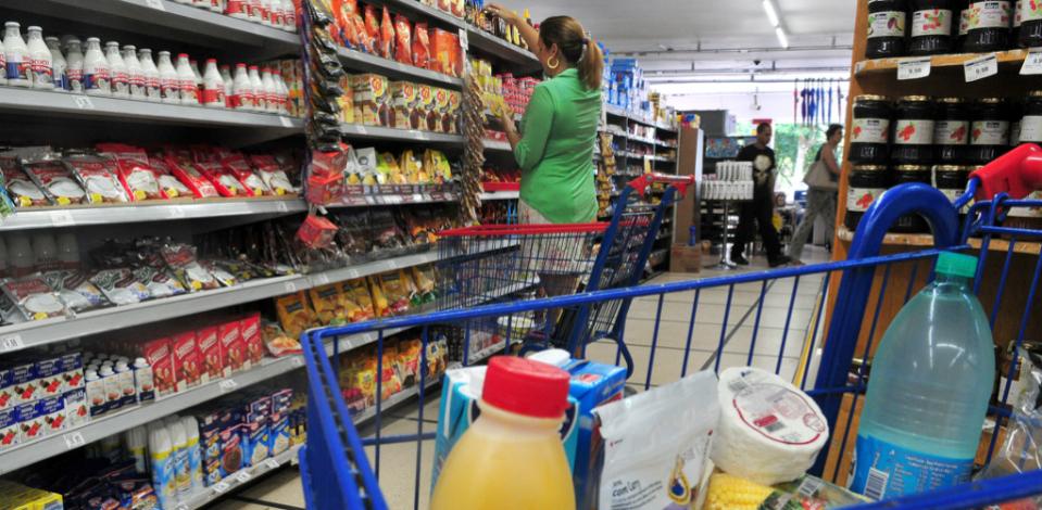 Brasil vai reduzir 144 mil toneladas de açúcar em alimentos e bebidas