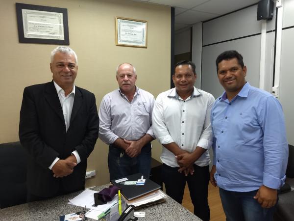 Em reunião com o Deputado Cabo Almir, Prefeito Valdir Sartor solicitou gestão para construção da acostamento na MS 276