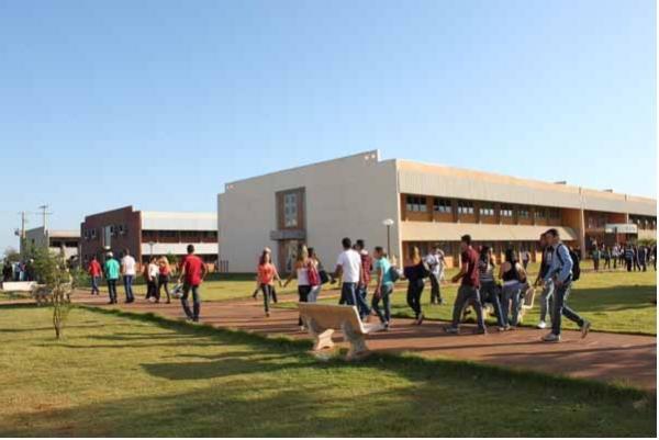 Universidade Federal de Dourados abre concurso com salários de até R$ 9 mil