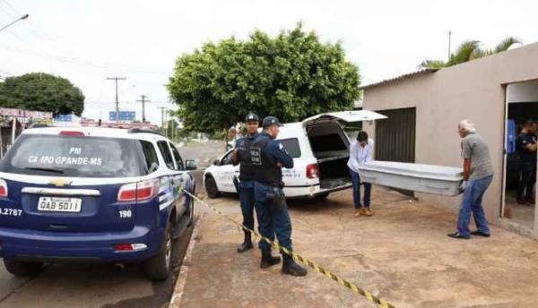 Mulher encontrada morta pelo filho teria sido esganada por ex-genro