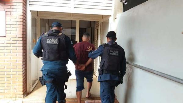 Homem é preso suspeito de atirar contra a casa da ex em Dourados