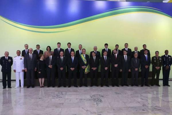 Novos ministros assumem cargo nesta quarta-feira em Brasília