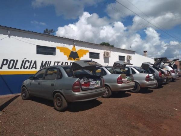 Veículos apreendidos durante os flagrantes desta quarta-feira. (Foto: DivulgaçãoPMR)