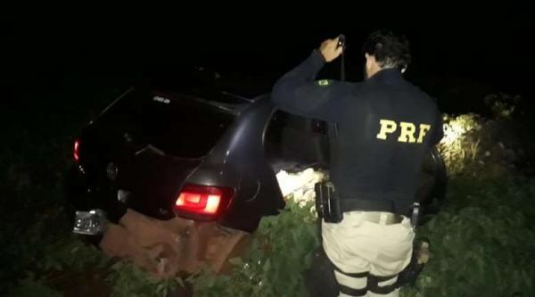 Após 30 minutos de perseguição, traficante abandona veículo com meia tonelada de maconha