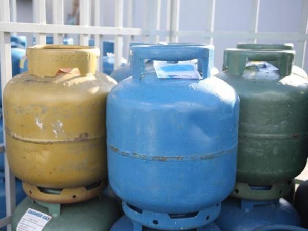 Valor médio do gás de cozinha tem leve queda e chega aos R$ 72 em MS