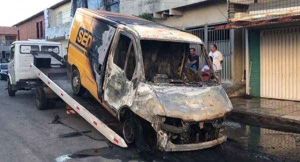 Governador diz que 21 presos foram transferidos após ataques e defende endurecer medidas contra celulares