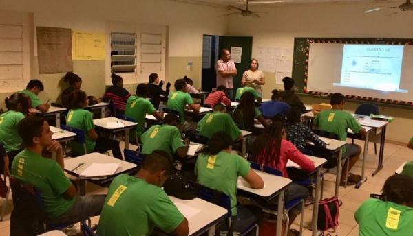 Secretaria de Educação extingue cargo e 'pega de surpresa' cerca de 200 professores