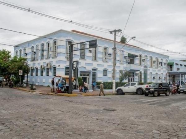 Santa Casa de Corumbá, onde estão internados os trabalhadores rurais com pneumonia. (Foto: Diário Corumbaense)