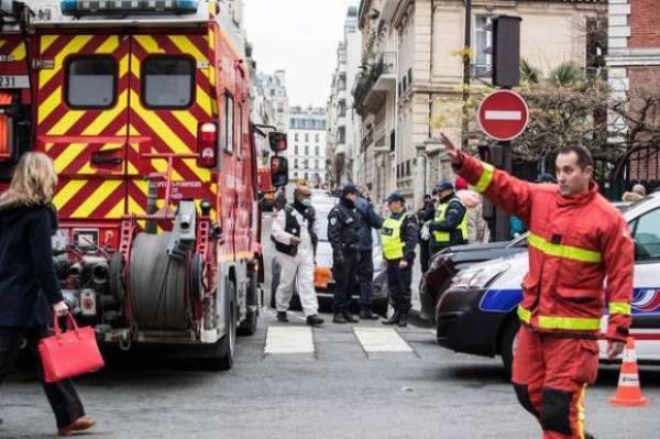 Incêndio em Paris deixa 9 mortos e mais de 30 feridos Foto: EPA / Ansa - Brasil
