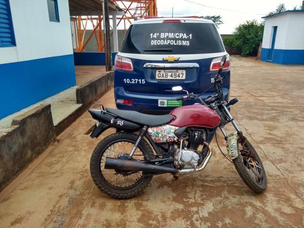 Moto recuperada pelos Policiais. Foto: PM de Deodápolis