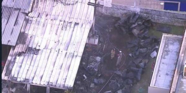 Imagens do incêndio que atingiu o o CT do Flamengo nesta manhã (Foto: Reprodução/TV Globo) Foto: LANCE!