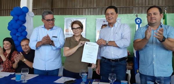Ministra da Agricultura vem a MS para implantar sistema de abastecimento em assentamento