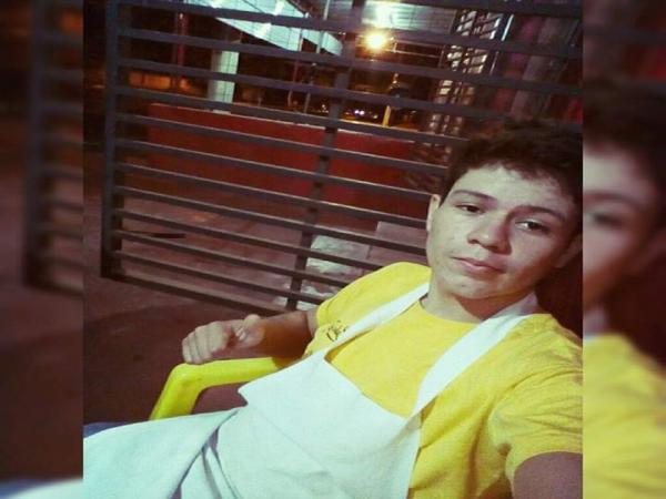 Jovem morre após troca de tiros com a polícia no Água Boa