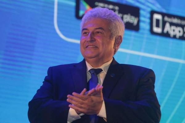 Governo não avaliará limite na banda larga, diz ministro