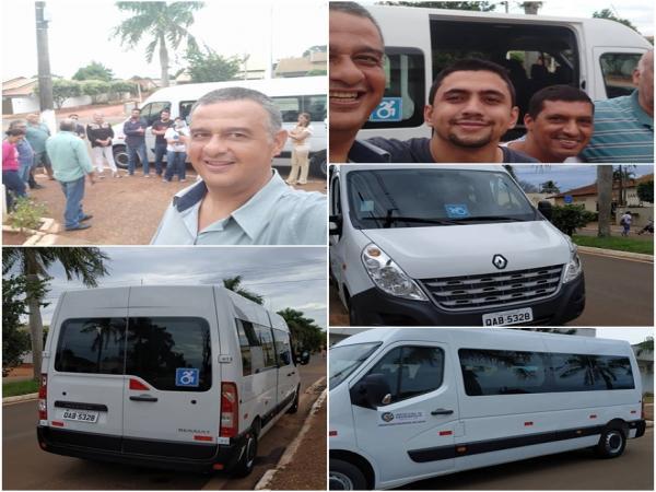 Márcio Teles participa da entrega de Van pra saúde e parabeniza município