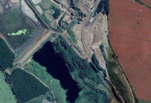 Área de operação da barragem da Mosaic Fertilizantes, em Araxá Foto: Reprodução / Google