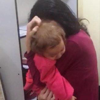 Criança de um ano sequestrada pelo pai é resgatada