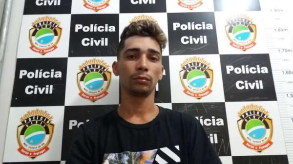 Após denúncia anônima, homem é preso com drogas e munições
