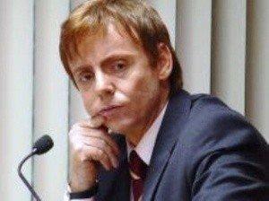 Ex-prefeito, Raul Freixes é transferido para a cela 17 do Centro de Triagem