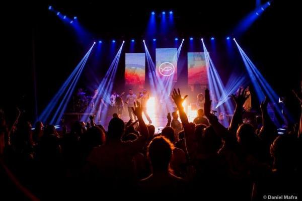 Banda Católica Colo de Deus e Thiago Tomé estarão juntos em Noite de Louvor em Dourados