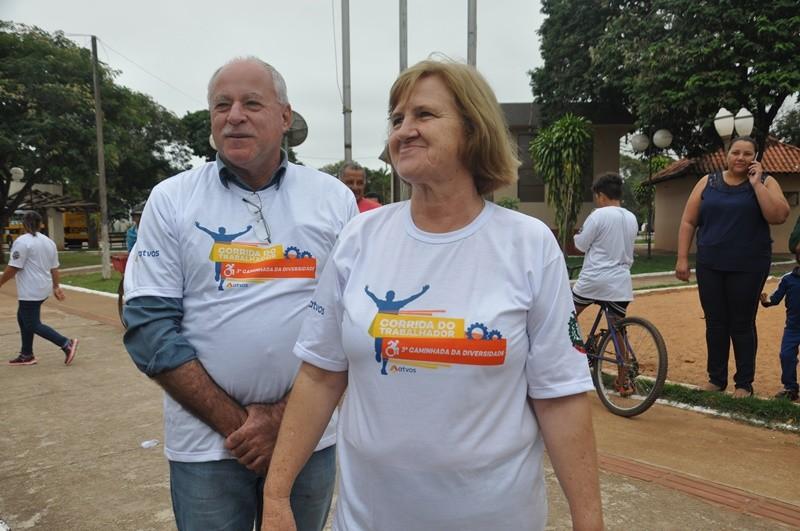 Deodápolis comemorou 43 anos com show na praça, lançamento e entrega de obras e atividades desportivas