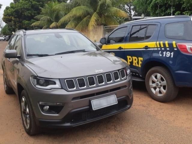 Jeep Compass seria entregue para criminosos na região de fronteira. - Crédito: (Divulgação/PRF)