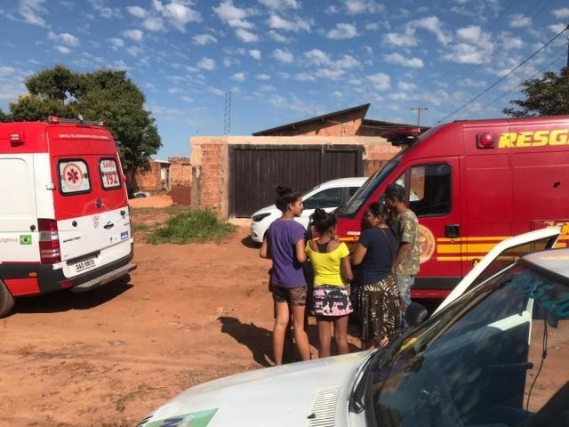Menina seria levada à Santa Casa, mas, após sofrer duas paradas cardiorrespiratórias, foi para o CRS Tiradentes (Foto: Liniker Ribeiro)