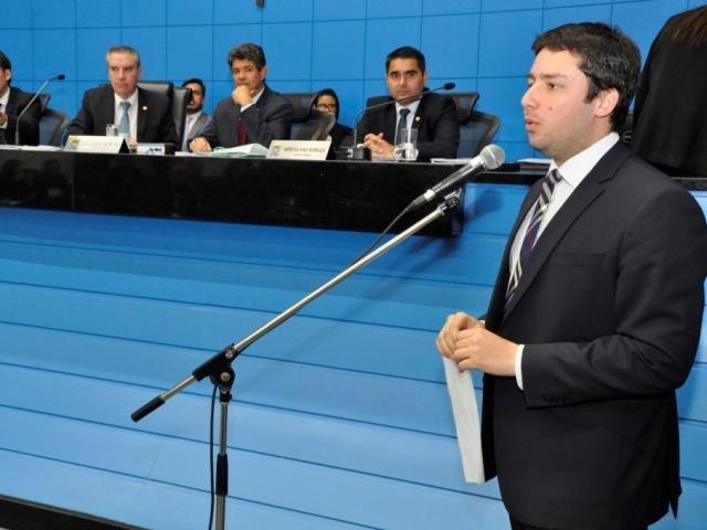 Deputado João Henrique Catan (PR) apresentou projeto na Assembleia (Foto: Luciana Nassar/ALMS)
