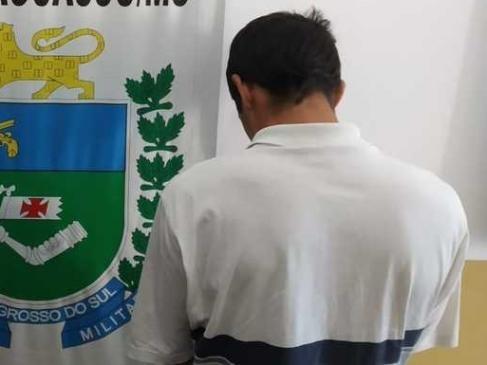 Suspeito preso na delegacia de Bataguassu - Crédito: Divulgação/PM