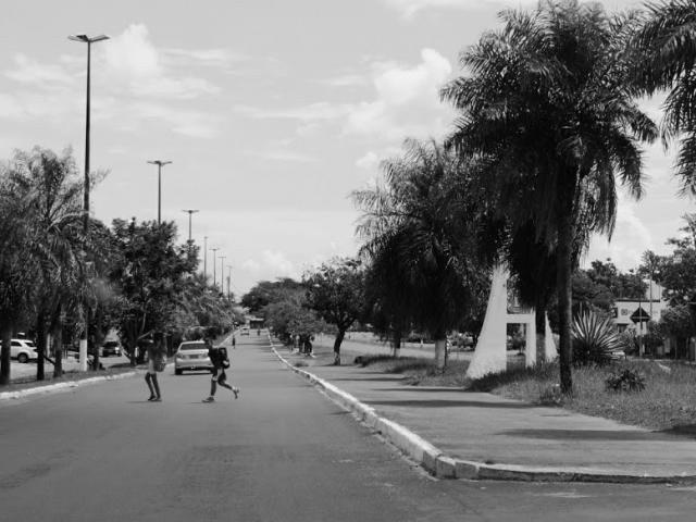 Linha internacional entre Coronel Sapucaia e Capitán Bado, no Paraguai. (Foto: Helio de Freitas)