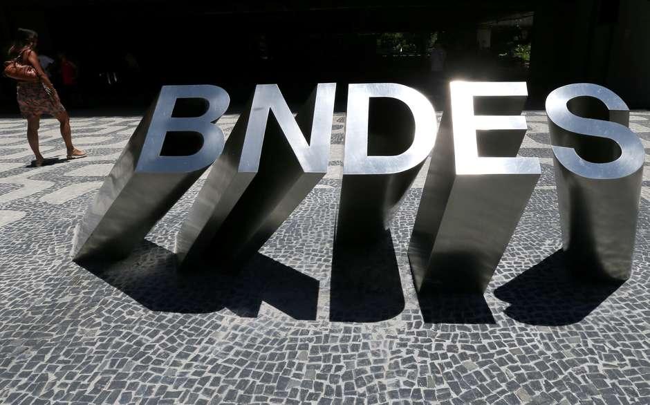 Logo na sede do BNDES Foto: Sergio Moraes / Reuters