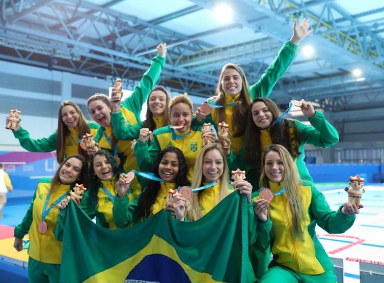 Equipe feminina de polo aquático comemora o bronze nos Jogos Pan-Americanos de Lima - - Crédito: Alexandre Castello Branco/COB?