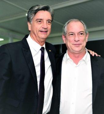 À direita, Ciro Gomes será recebido pelo deputado Dagoberto Nogueira (PDT-MS) (Foto: Divulgação)