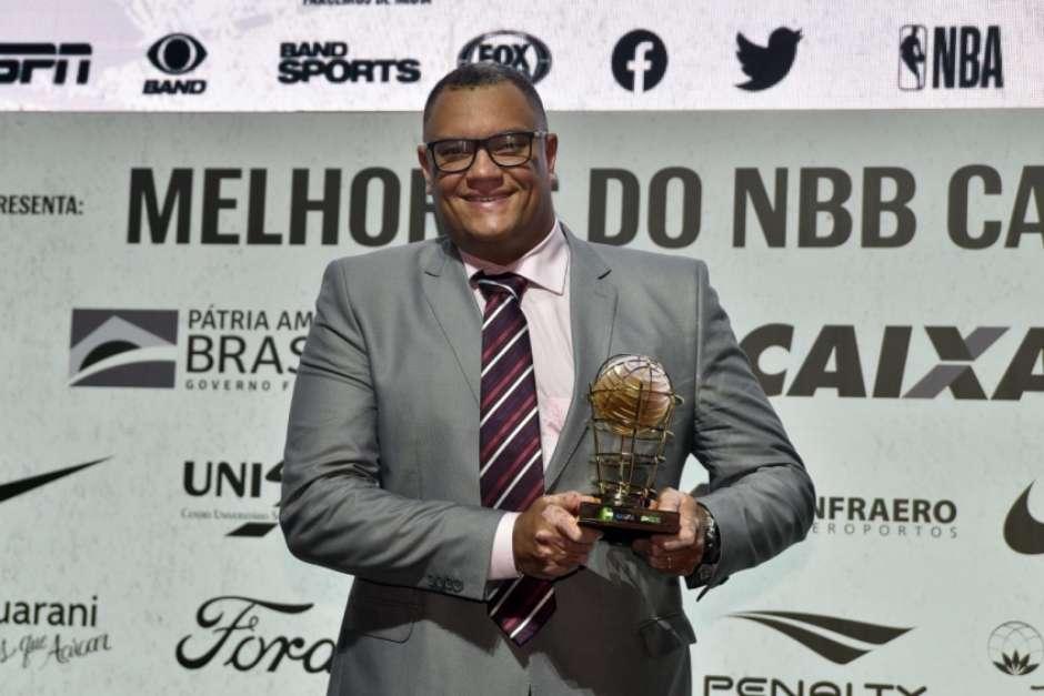 Léo Figueiró foi o melhor treinador do último NBB (Foto: Divulgação/NBB) Foto: Lance!